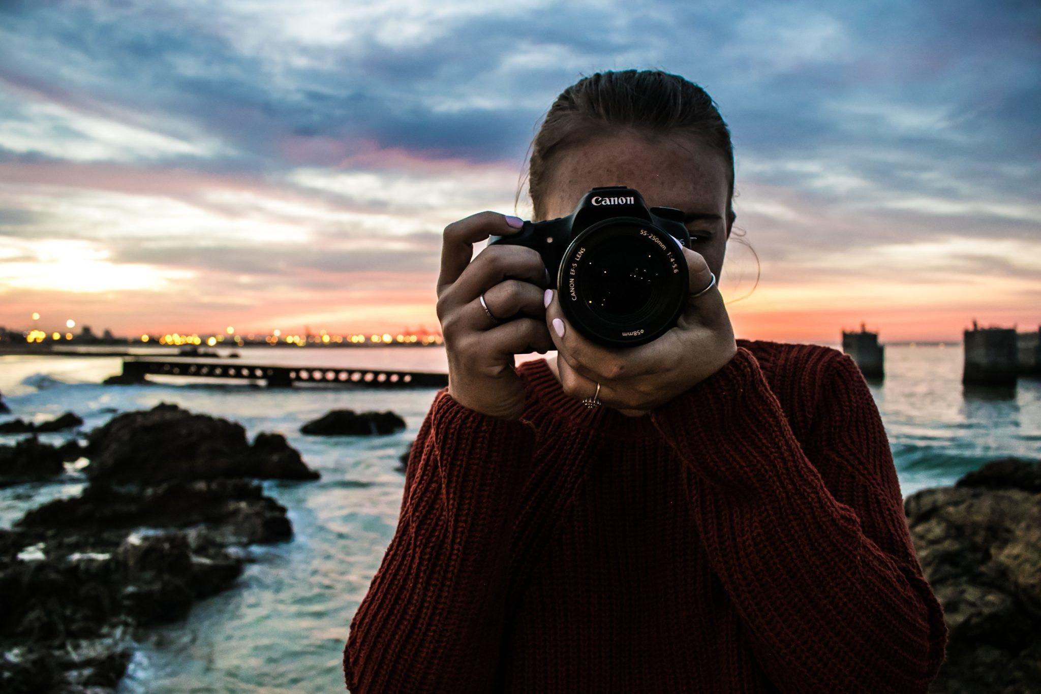 Camera-girl-sunset