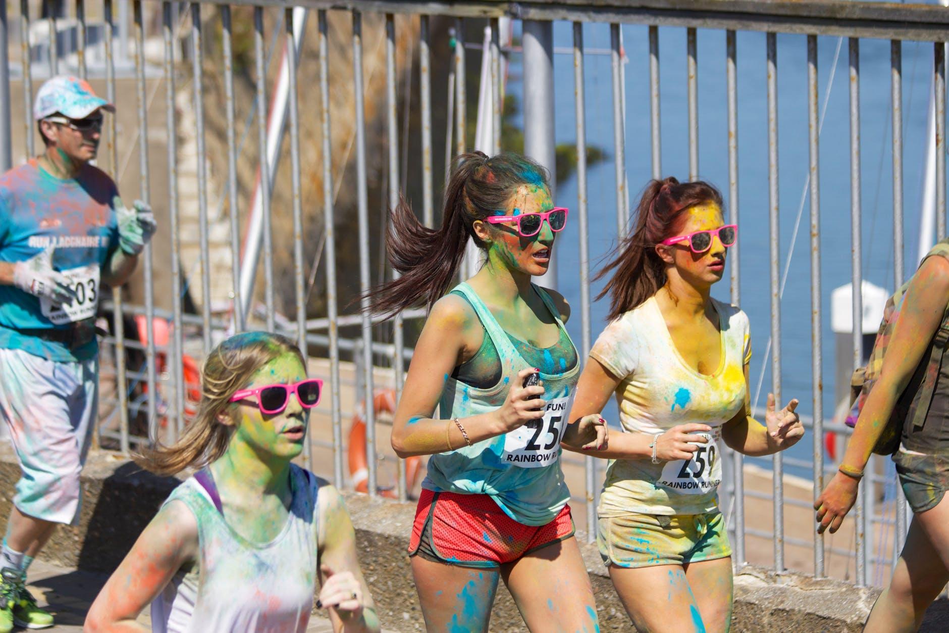 Coloured marathon girls