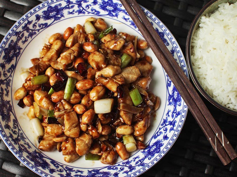 batch close up cooking New Gong Bao Ji Ding Sichuan Kung Pao Chicken Recipe
