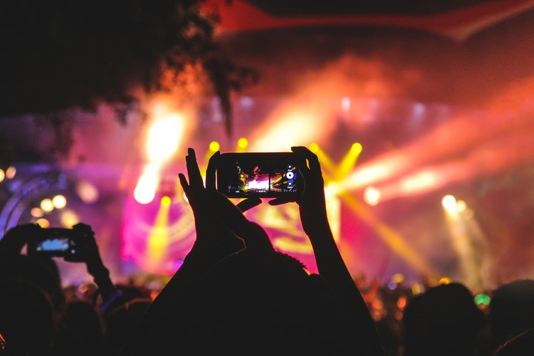 concert and mobile phone